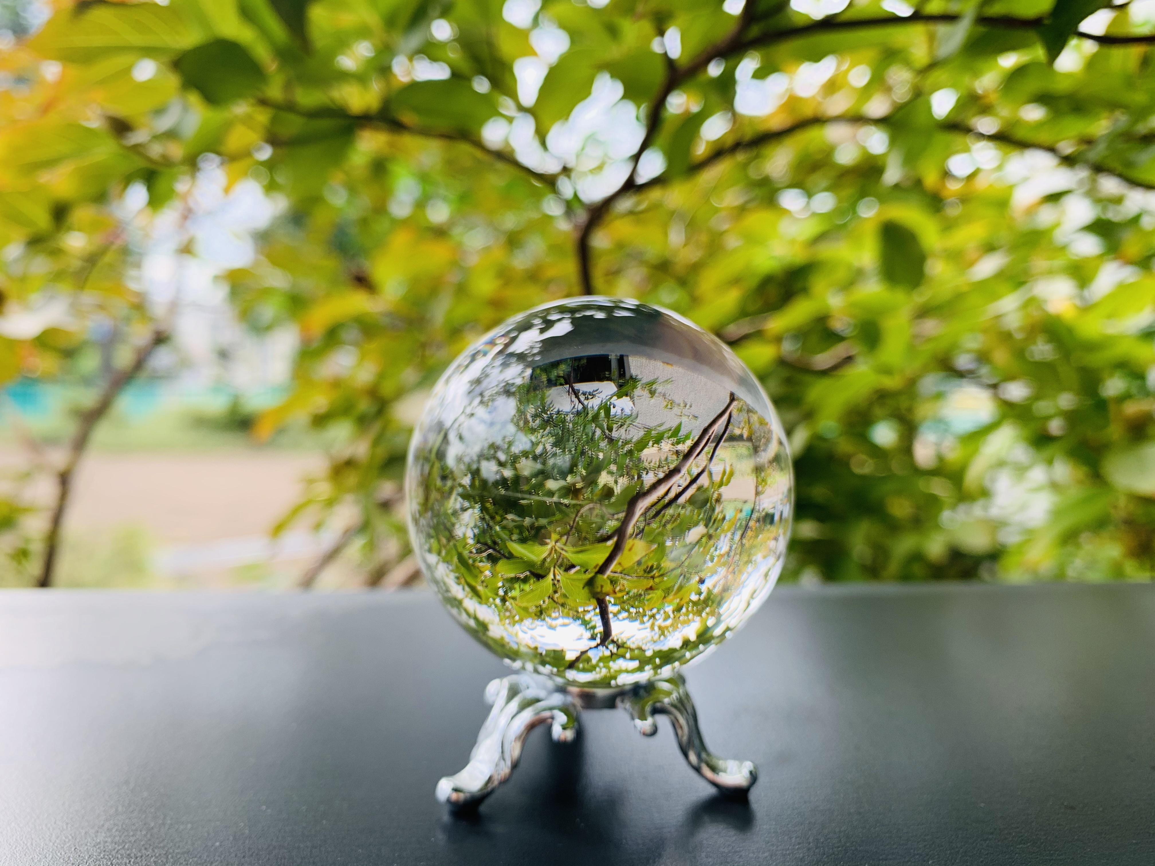 満月のパワーで浄化した水晶玉です